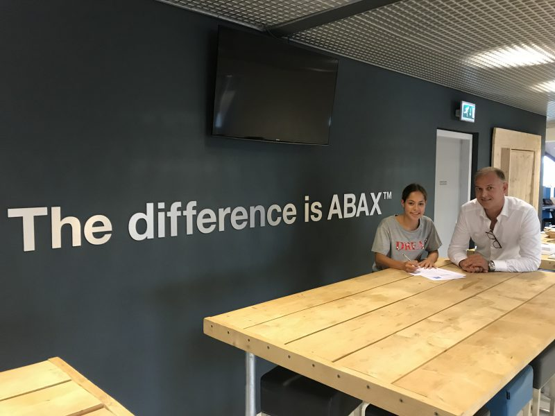 Sporttalenten Supusepa en Houtman verdienen sponsorcontract bij ABAX