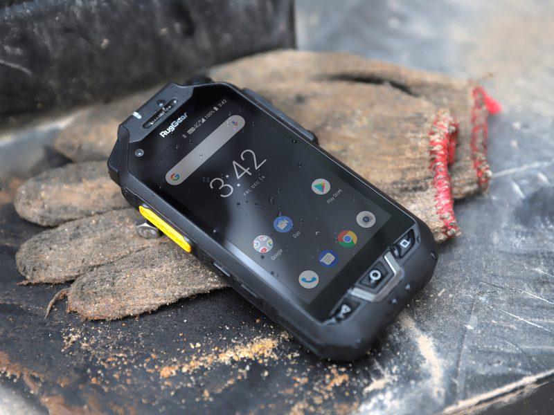 Nieuwe RugGear RG725 push-to-talk smartphone zorgt voor snelle communicatie in extreme situaties