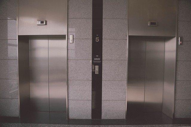 Liftinsight vermindert onderhoudskosten met 30 procent door slimme IoT-app ontwikkelt met low-code